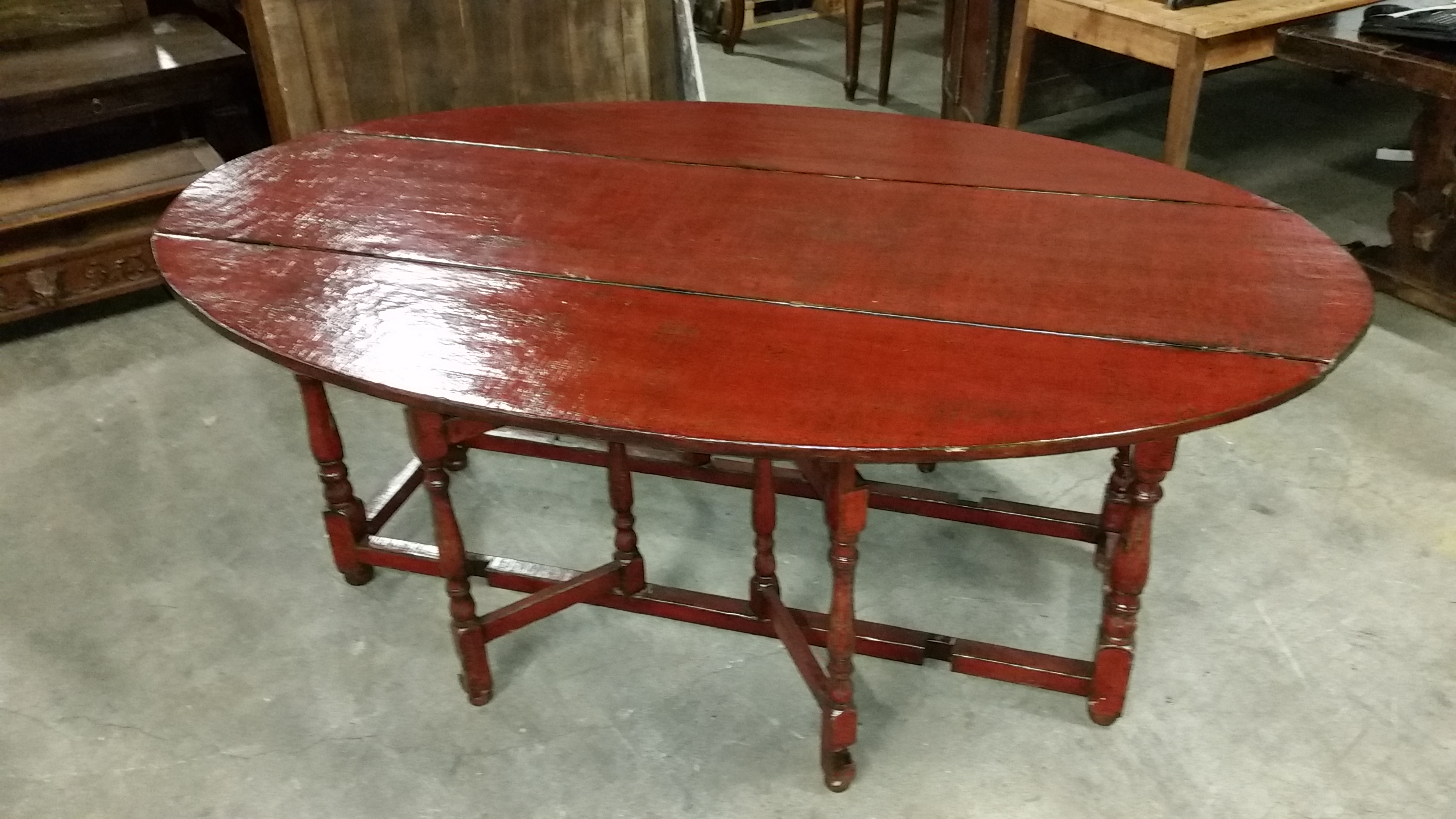 Red Laquer wake table